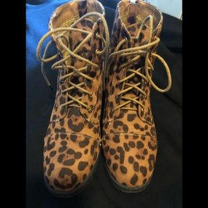 Ladies Bamboo leopard print boots